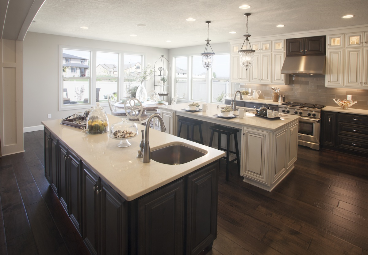 Cabinets for kitchens and bathrooms in vancouver wa for Kitchen cabinets vancouver wa